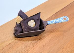 comprar chocolate puro con avellanas en Valencia